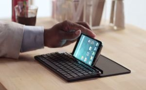 Microsoft Unveils The Universal Mobile Keyboard