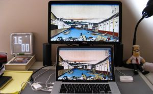 How to Connect External Displays to MacBook