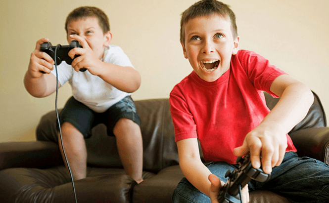 children playing violent video games Kids' violent video game play linked to increased aggression the new analysis of previous research focuses on disregarded increases in risk for violence, suggesting a small influence over a long.